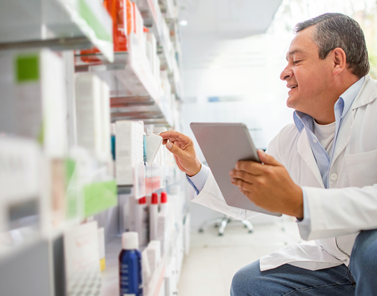 Verifying medication during pharmaceutical supply chain process