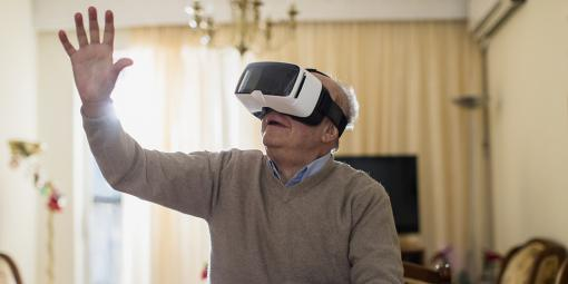 Healthcare Virtual Reality: The Social App